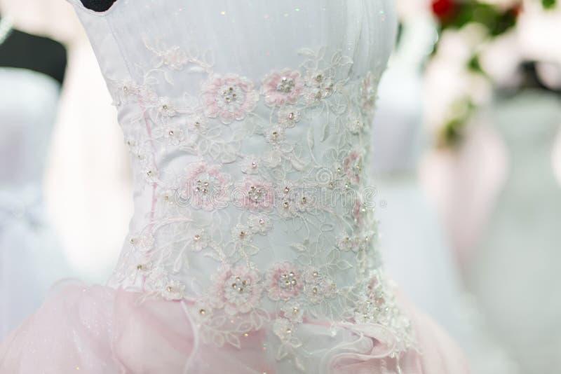 Γαμήλια φορέματα στοκ εικόνα με δικαίωμα ελεύθερης χρήσης
