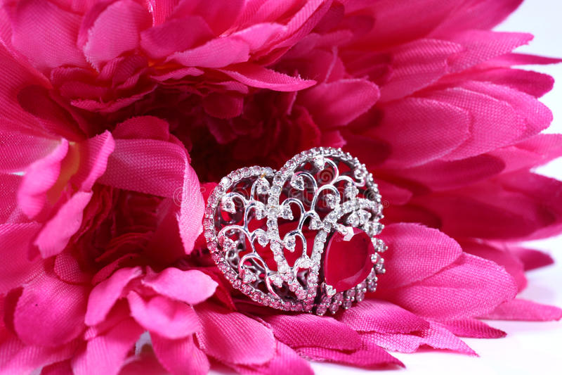 Γαμήλιο δαχτυλίδι διαμαντιών στοκ φωτογραφίες