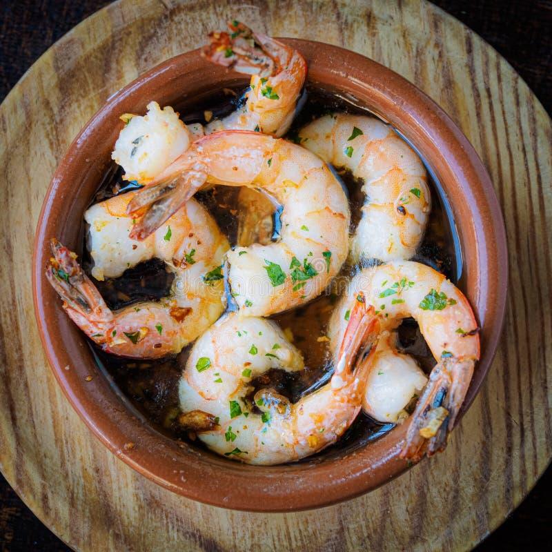 Γαρίδες σκόρδου, παραδοσιακά ισπανικά tapas στοκ εικόνες με δικαίωμα ελεύθερης χρήσης