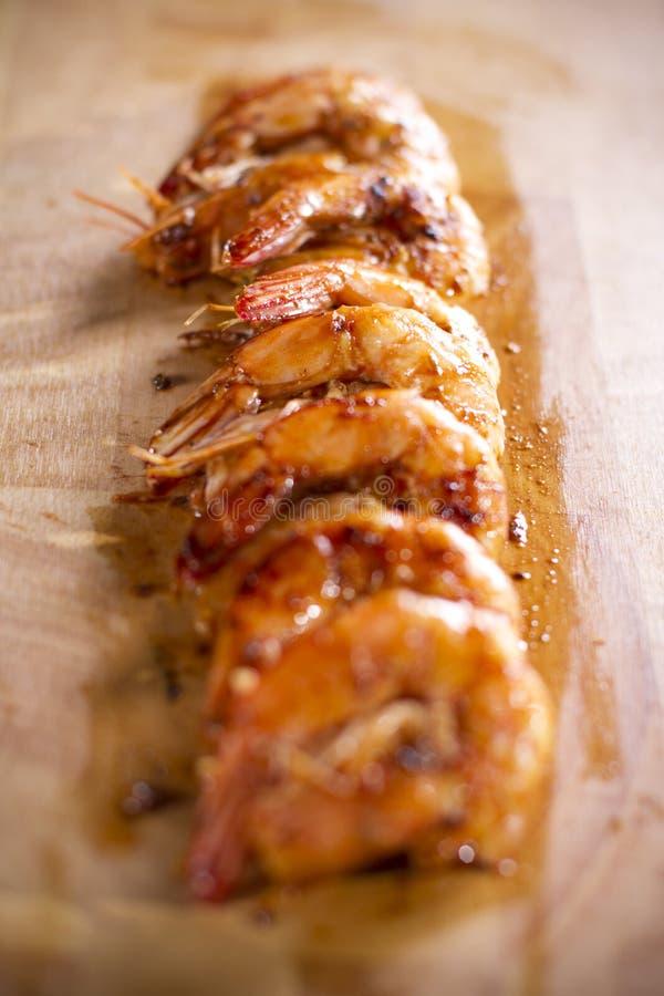 γαρίδες σχαρών πιάτων στοκ φωτογραφίες