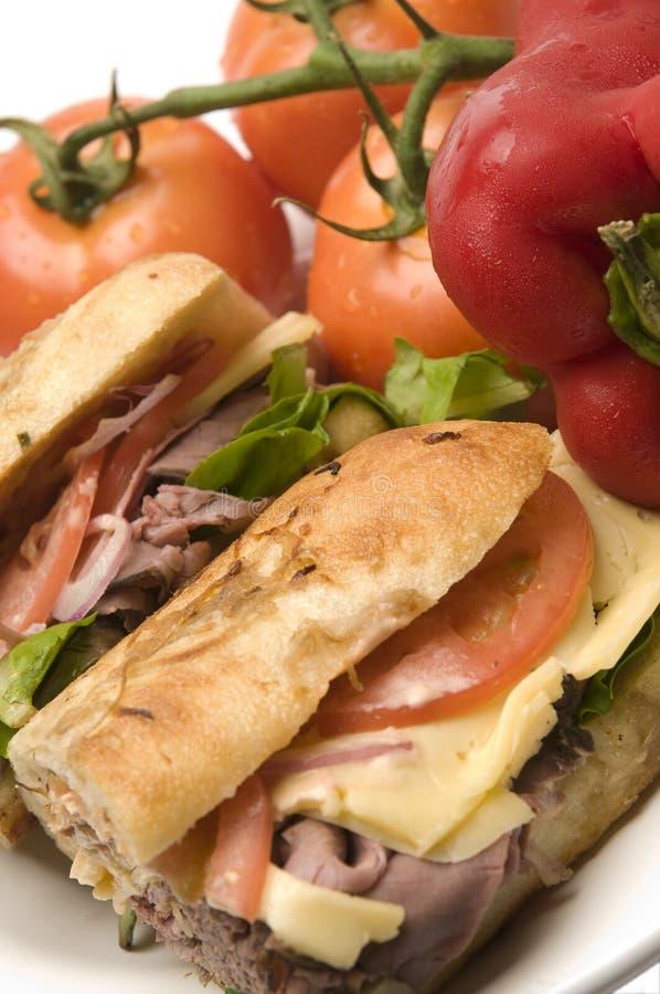 γαστρονομικό roast βόειου κρέατος σάντουιτς στοκ εικόνα