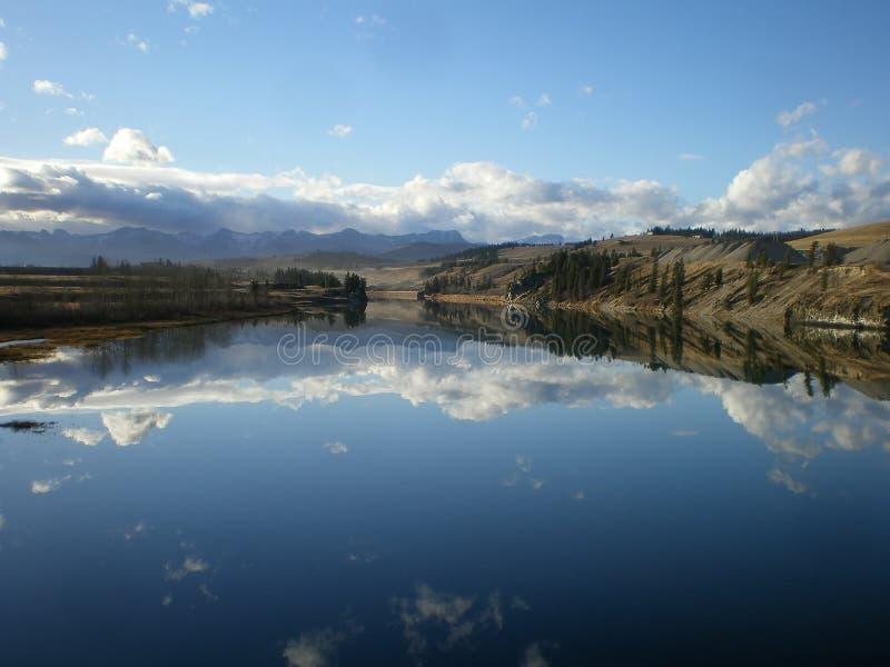 Γαλήνιος ποταμός τόξων στοκ φωτογραφίες