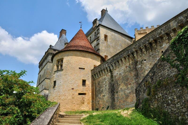 Γαλλία, γραφικό κάστρο Biron σε Dordogne στοκ εικόνα με δικαίωμα ελεύθερης χρήσης