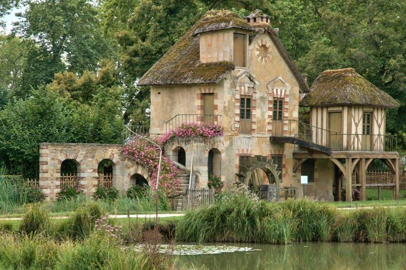 Γαλλία, κτήμα της Marie Antoinette στο parc του παλατιού των Βερσαλλιών στοκ φωτογραφία με δικαίωμα ελεύθερης χρήσης