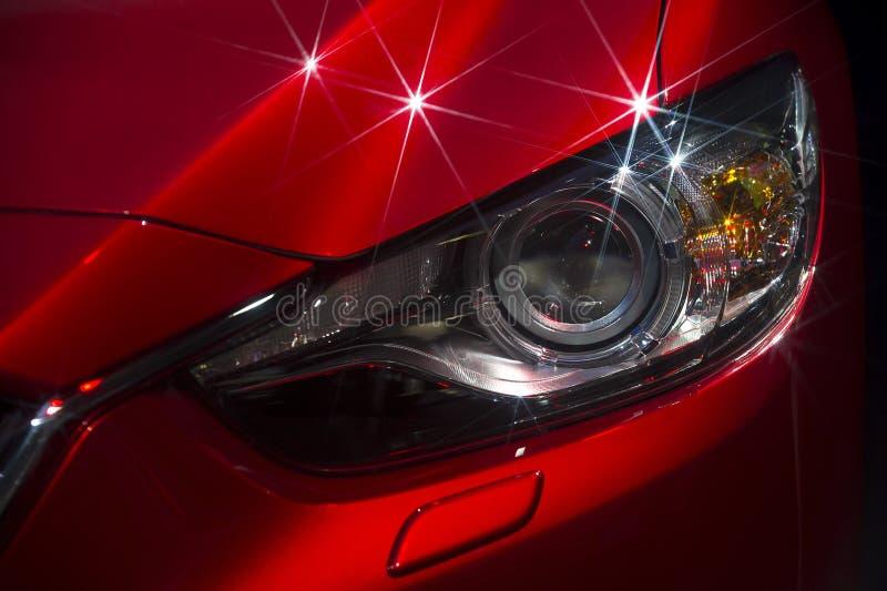 γαλαζωπή ελαφριά έξω απόδοση προβολέων αυτοκινήτων στενή κίτρινη στοκ φωτογραφίες με δικαίωμα ελεύθερης χρήσης