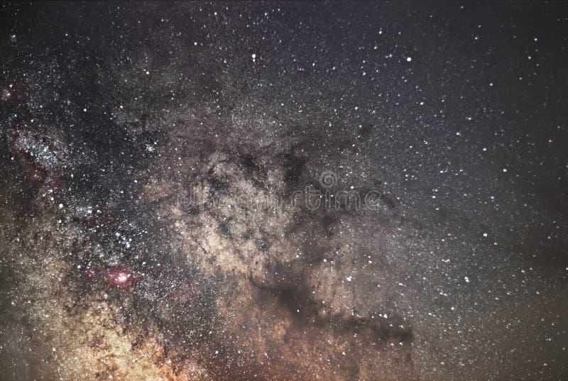 Γαλακτώδης γαλαξίας τρόπων Πυρήνας του γαλακτώδους τρόπου Όμορφος νυχτερινός ουρανός Πραγματική έναστρη νύχτα Πραγματικός νυχτερι στοκ φωτογραφία με δικαίωμα ελεύθερης χρήσης