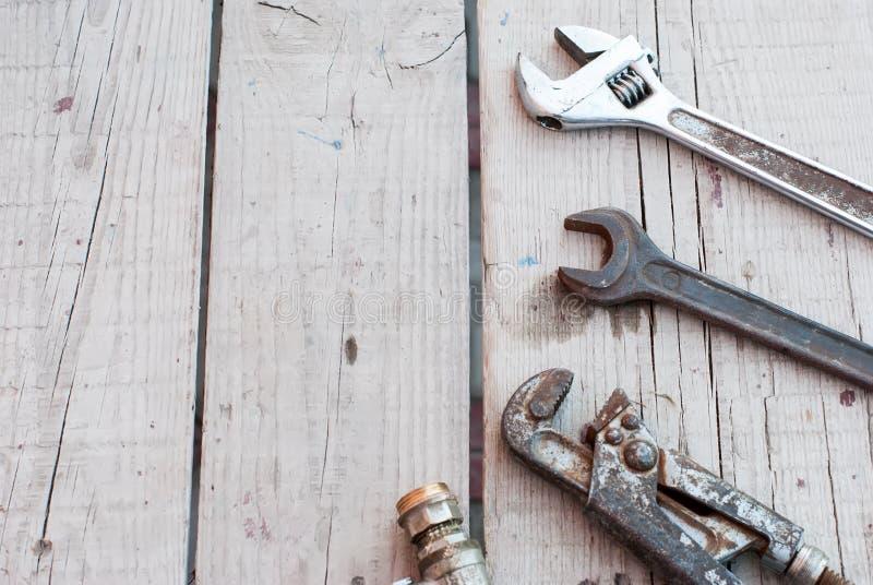 Γαλλικά κλειδιά, υδραυλικά εργαλείων στοκ φωτογραφίες