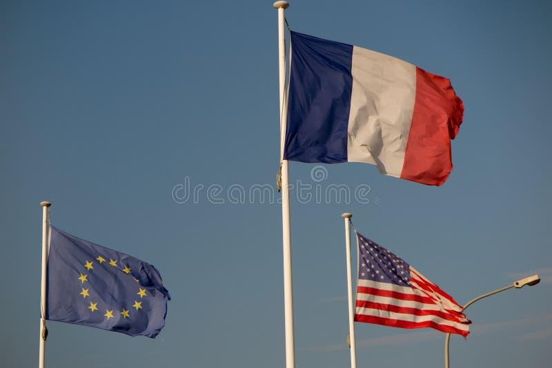 Γαλλικές, αμερικανικές και ευρωπαϊκές σημαίες στοκ εικόνες με δικαίωμα ελεύθερης χρήσης