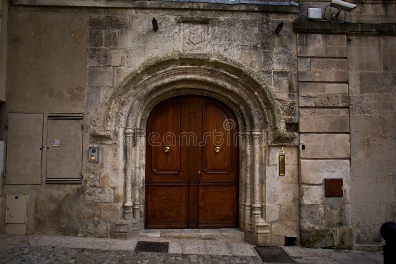 Γαλλική προφορά Occitan Arles: Arle και στους κλασσικούς και κανόνες Mistralian  Arelate στα αρχαία λατινικά στοκ φωτογραφία
