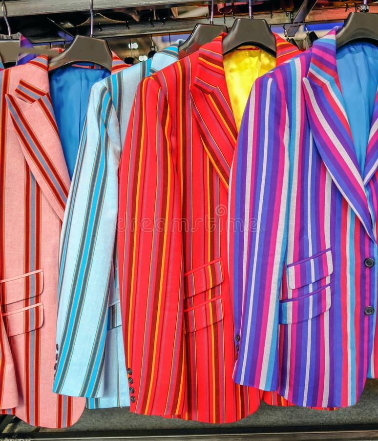 Γδυμένα σακάκια ατόμων, πολυ που χρωματίζεται στοκ εικόνα