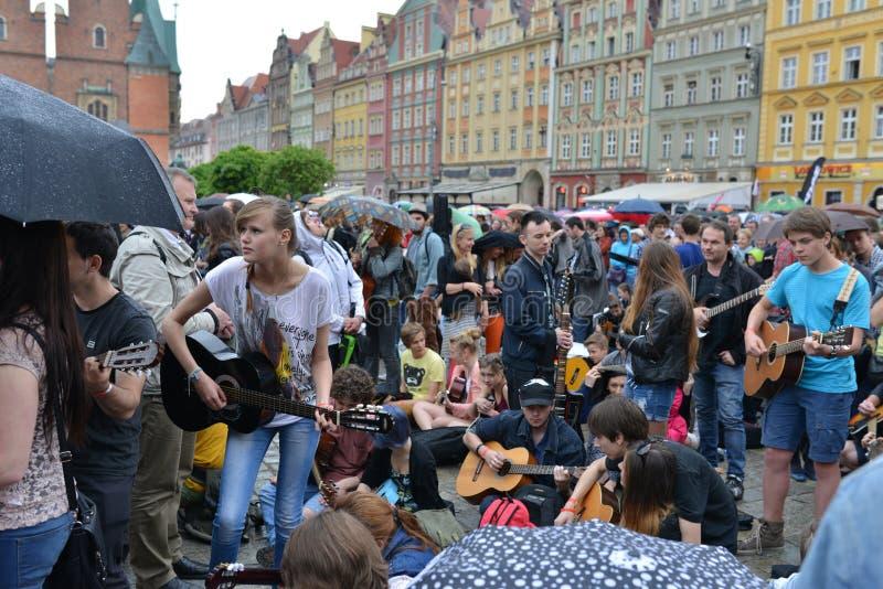 Γεγονός παγκόσμιο ρεκόρ Guiness κιθάρων την 1η Μαΐου της Πολωνίας στοκ εικόνες