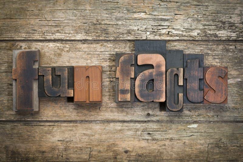 Γεγονότα διασκέδασης, φράση που γράφεται με την εκλεκτής ποιότητας letterpress ομάδα εκτύπωσης στοκ φωτογραφίες με δικαίωμα ελεύθερης χρήσης