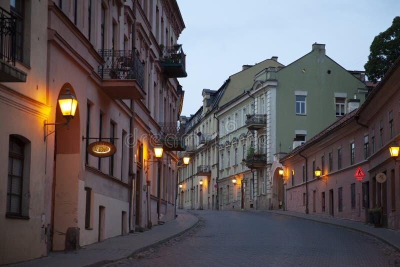 Γειτονιά Uzupis το βράδυ, Vilnius, Λιθουανία στοκ φωτογραφίες