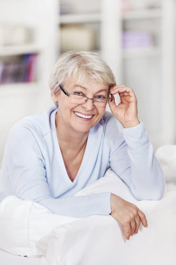 Γελώντας γυναίκα στοκ εικόνες