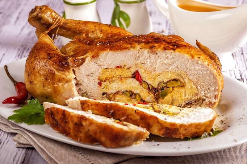 Γεμισμένο σπιτικό ανόστεο κοτόπουλο στοκ εικόνες