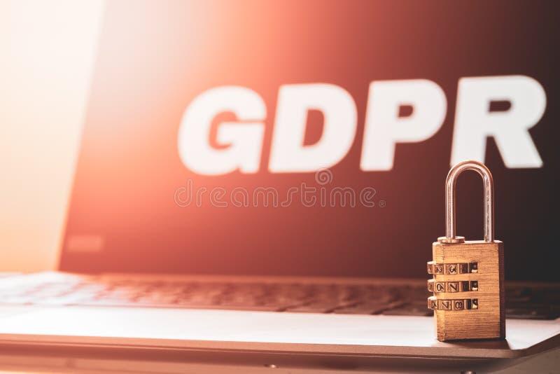 Γενική έννοια τεχνολογίας επιχειρησιακού Διαδικτύου κανονισμού προστασίας δεδομένων GDPR Υπόβαθρο GDPR με μια λέξη GDPR στο lap-t στοκ φωτογραφία με δικαίωμα ελεύθερης χρήσης