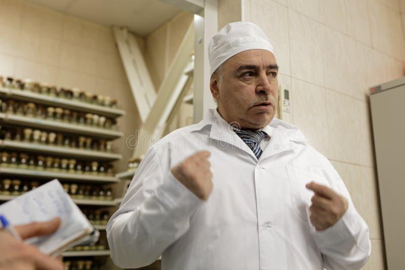 Γενικός Διευθυντής της χημικός-βιολογικής επιχείρησης Vita Mikhail Borts στοκ εικόνα