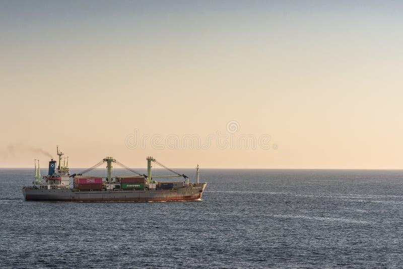 Γενικό φορτηγό πλοίο Sabang Meratus στον κόλπο Benoa, Μπαλί Ινδονησία στοκ φωτογραφίες με δικαίωμα ελεύθερης χρήσης