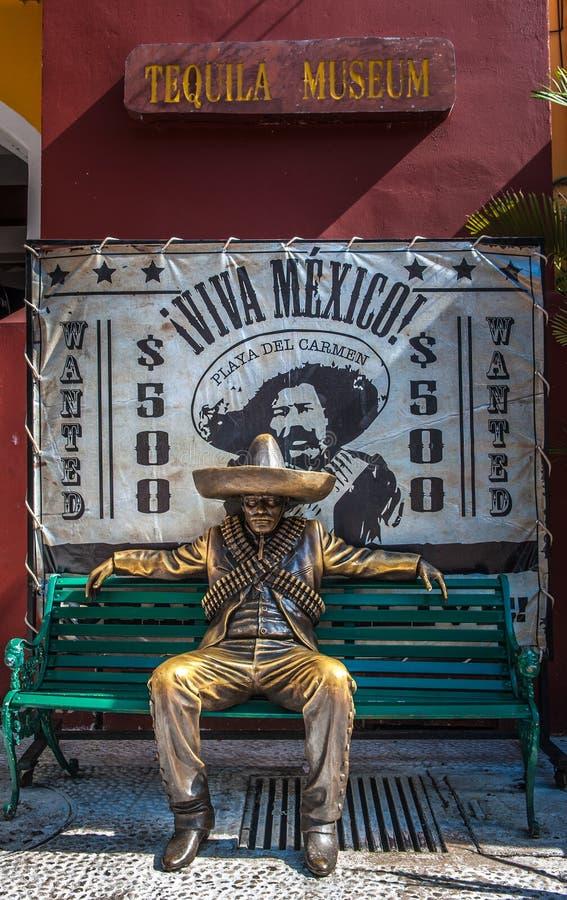 Γενναίο μεξικάνικο άτομο στο παραδοσιακό κοστούμι, Μεξικό στοκ εικόνα