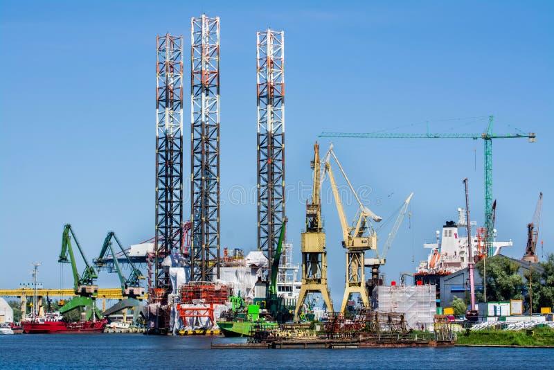 Γερανοί ναυπηγείων στο ναυπηγείο Γντανσκ, Πολωνία στοκ φωτογραφία με δικαίωμα ελεύθερης χρήσης