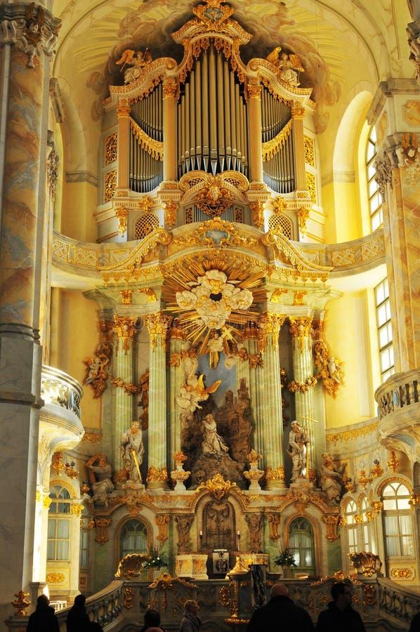 Γερμανία  Το χρυσό Silbermann Orgel στον καθολικό καθεδρικό ναό της πόλης της Δρέσδης στοκ εικόνες