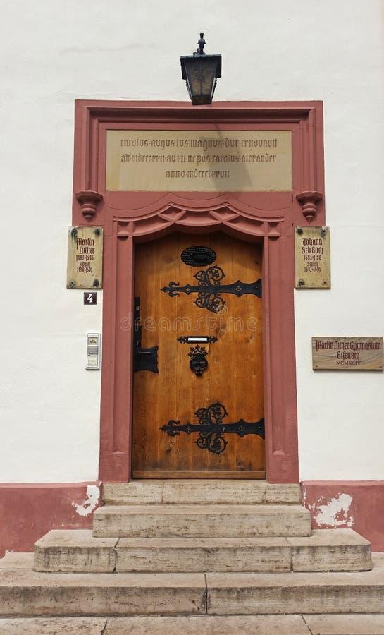 Γερμανική πόλη Eisenach Johann Bach και σχολική πόρτα του Martin Luther στοκ φωτογραφίες