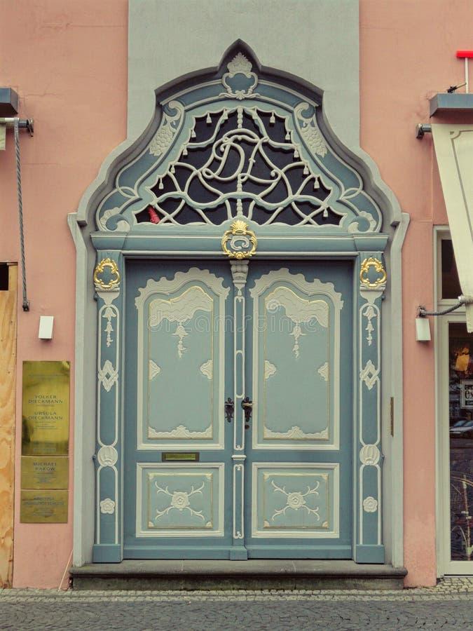 Γερμανική πόρτα στοκ φωτογραφίες με δικαίωμα ελεύθερης χρήσης