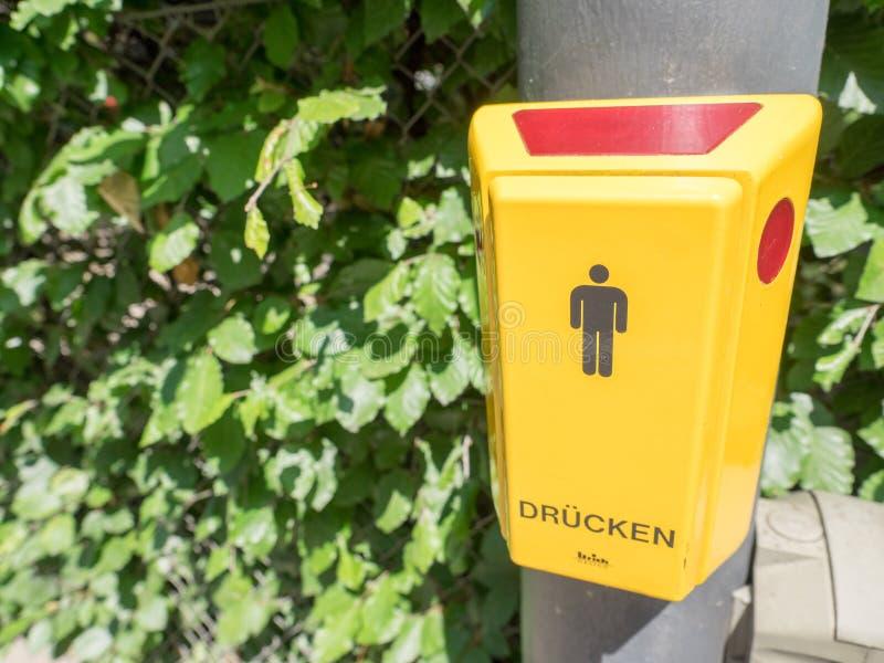 Γερμανικό για τους πεζούς πέρασμα στοκ εικόνες με δικαίωμα ελεύθερης χρήσης