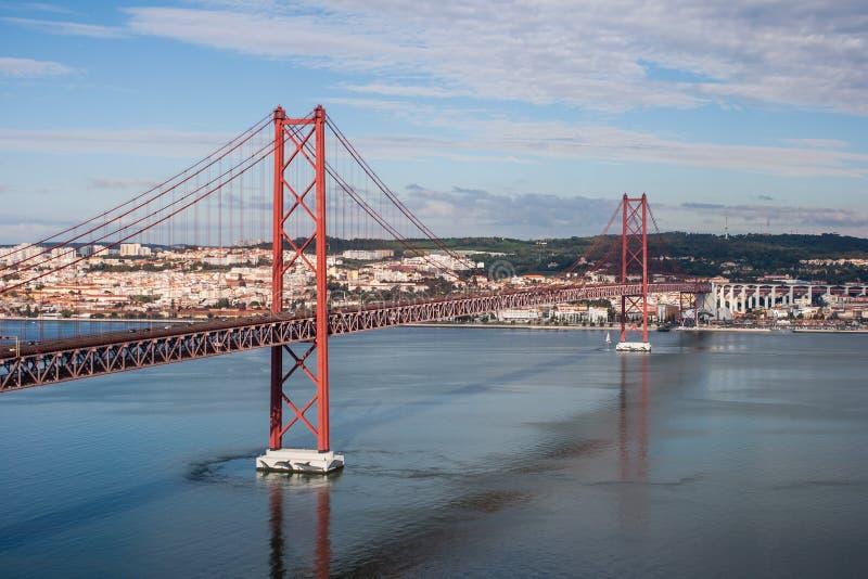 γεφυρώστε τη Λισσαβώνα στοκ φωτογραφία