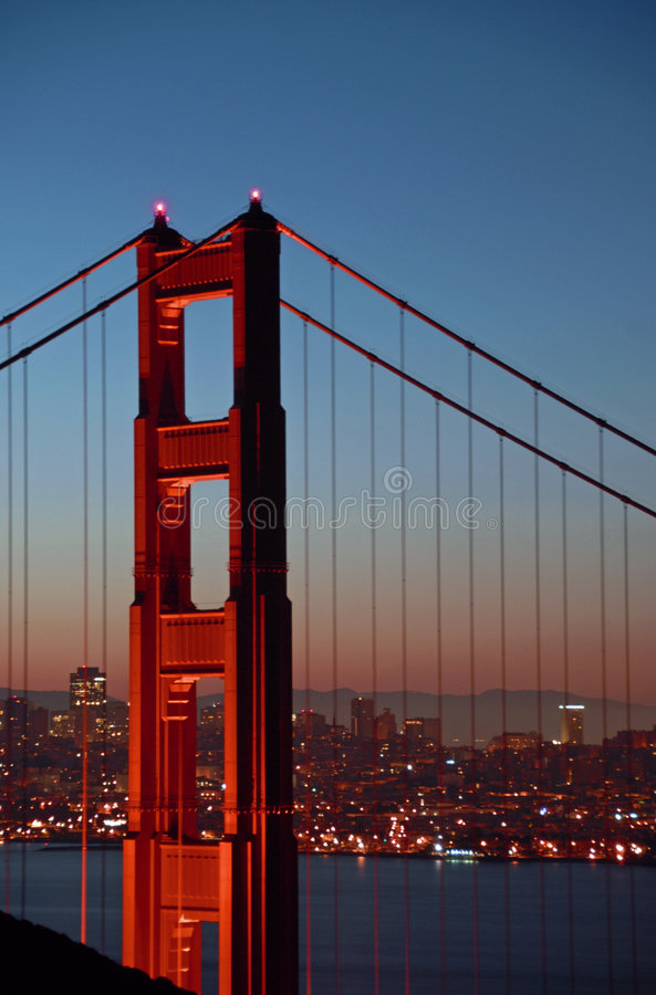 γεφυρώστε το χρυσό βόρει&o στοκ φωτογραφία