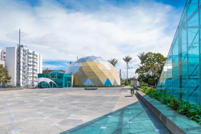 Γεωμετρικές προοπτικές Salitre πόλεων της Μπογκοτά του τετραγωνικού μουσείου Maloka στοκ φωτογραφία