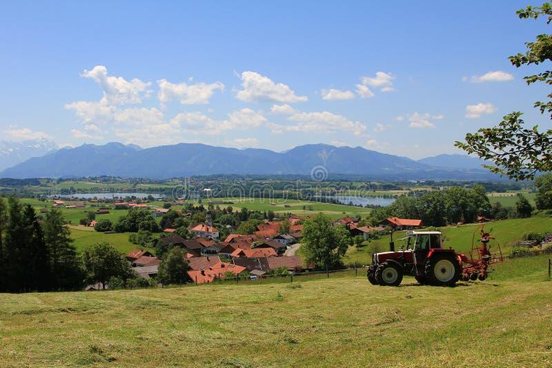 Γεωργικό τοπίο, βαυαρικά όρη στοκ φωτογραφίες με δικαίωμα ελεύθερης χρήσης
