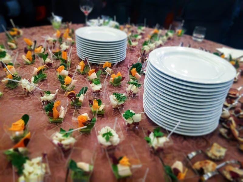 Γεύμα μπουφέδων με τα τρόφιμα δάχτυλων στοκ εικόνες με δικαίωμα ελεύθερης χρήσης