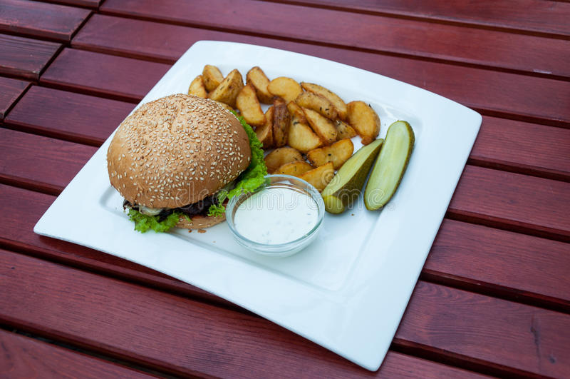 Γεύμα χάμπουργκερ στοκ φωτογραφία