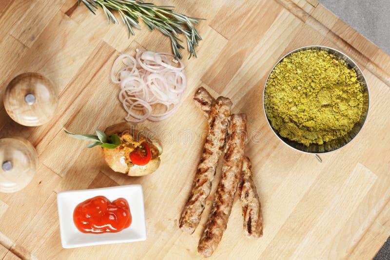 Γεύμα Cevapcici υπερυψωμένο στοκ φωτογραφία με δικαίωμα ελεύθερης χρήσης