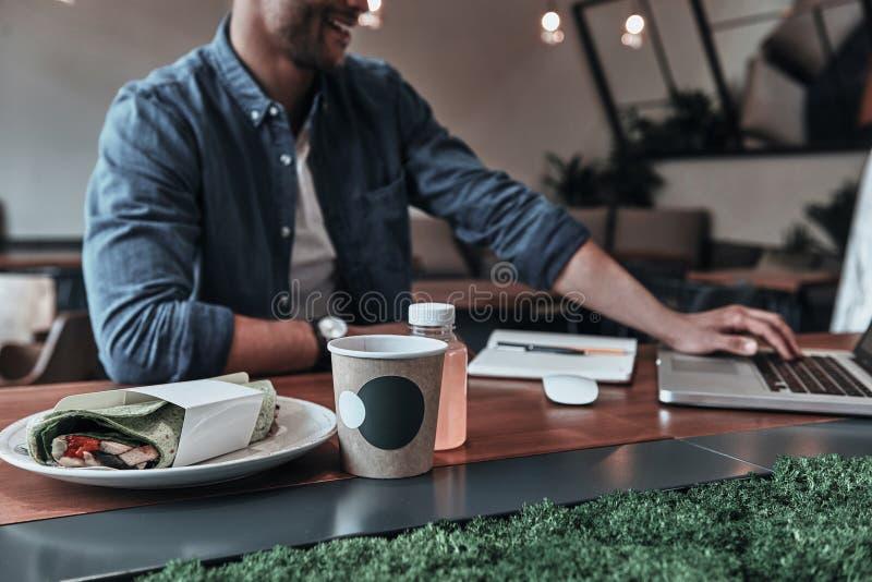 Γεύμα Goo και καλή διάθεση στοκ εικόνες