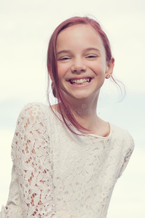 Γελώντας κορίτσι στοκ εικόνα με δικαίωμα ελεύθερης χρήσης