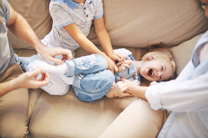 Γελώντας κορίτσι στοκ φωτογραφία με δικαίωμα ελεύθερης χρήσης