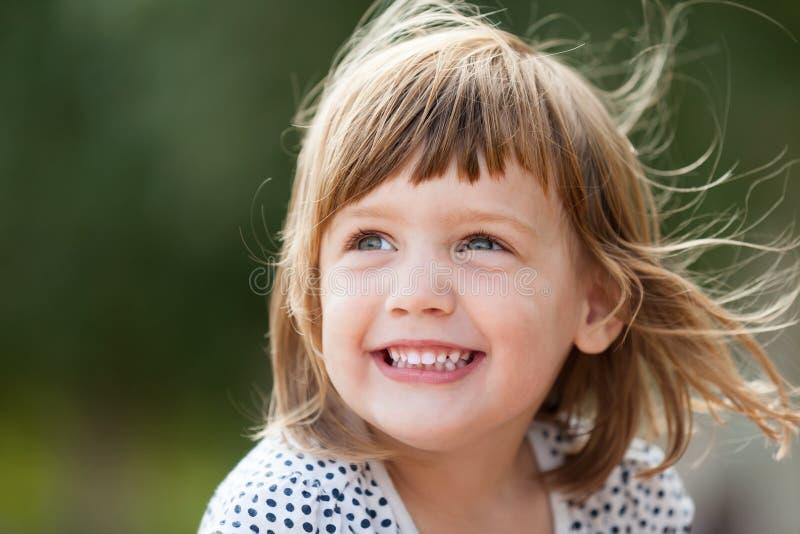 Γελώντας κοριτσάκι στοκ φωτογραφίες