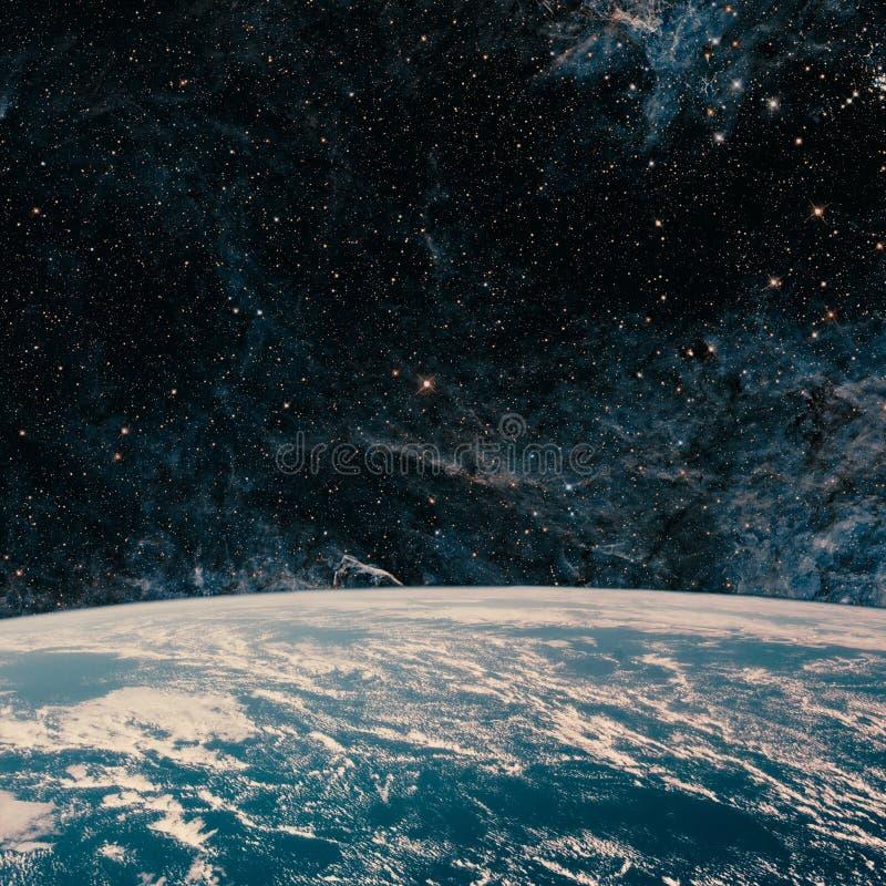 Γη και γαλαξίας Διάστημα νυχτερινού ουρανού στοκ εικόνα
