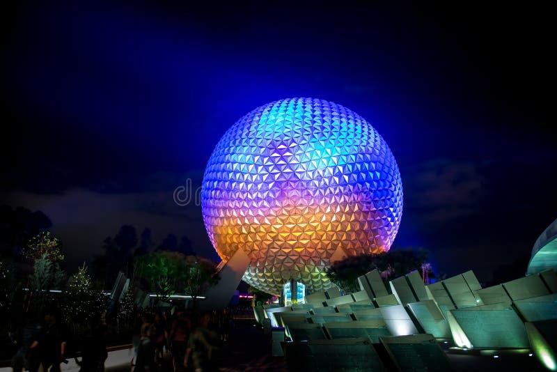 Γη κεντρικών διαστημοπλοίων παγκόσμιου Epcot της Disney στοκ φωτογραφία με δικαίωμα ελεύθερης χρήσης