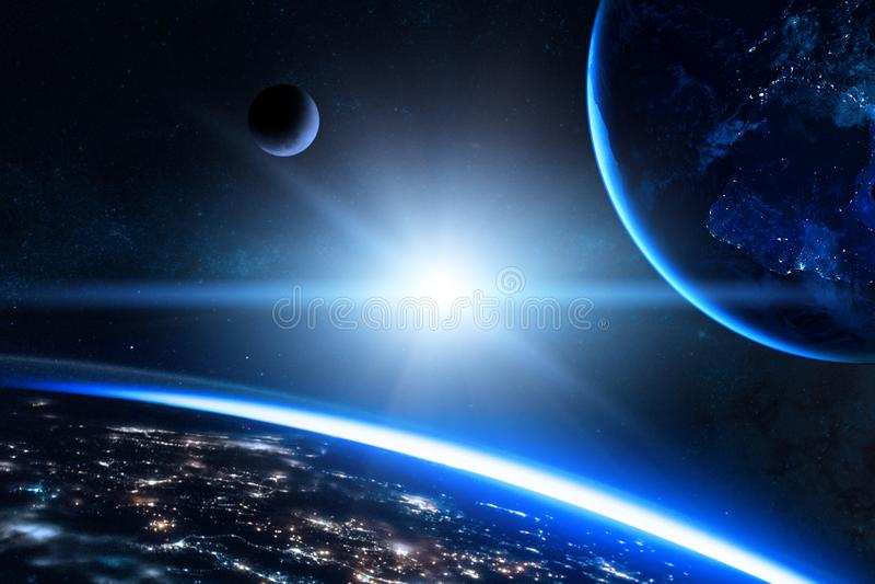 Γη στο μακρινό διάστημα με τον όμορφο πλανήτη μπλε ανατολή στοκ φωτογραφία