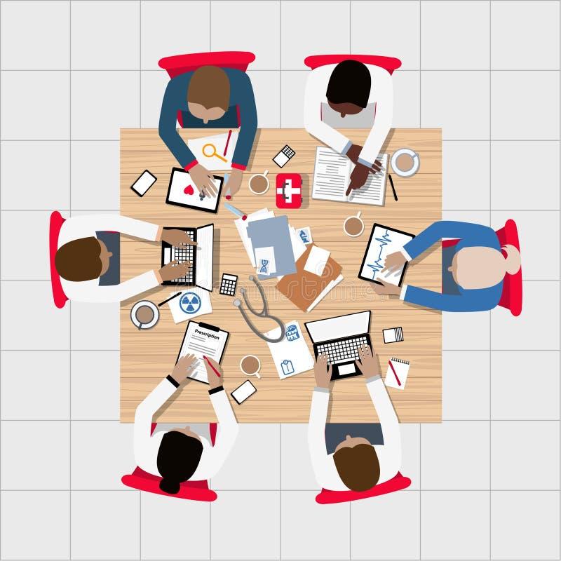 Γιατροί και ιατρικοί επαγγελματίες που συναντιούνται γύρω από τον πίνακα αιθουσών συνεδριάσεων διανυσματική απεικόνιση