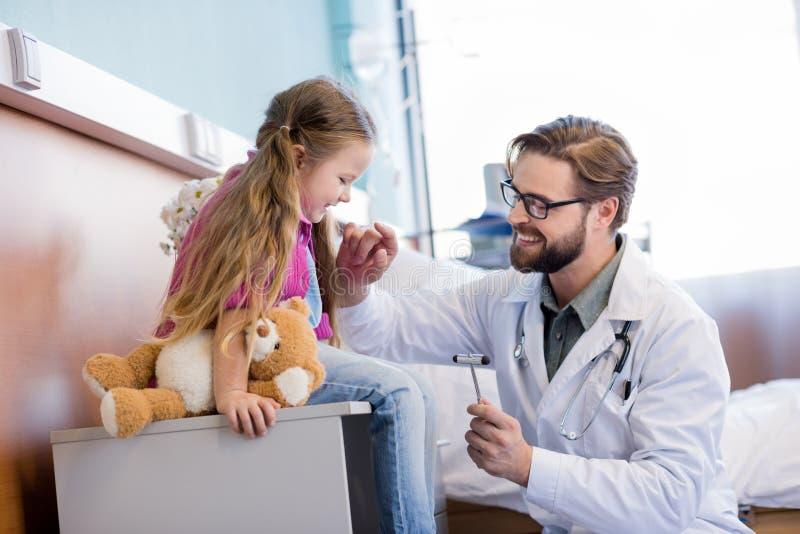γιατρός λίγος ασθενής στοκ εικόνες με δικαίωμα ελεύθερης χρήσης