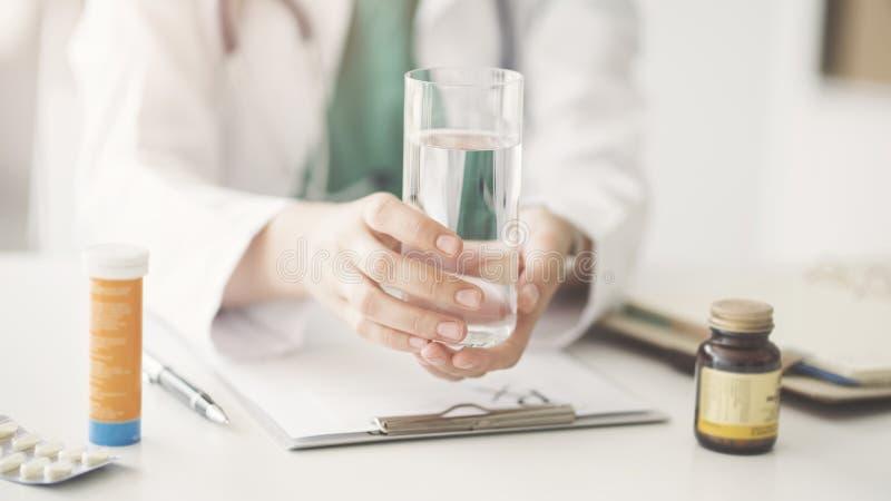 Γιατρός ιατρικός και έννοια υγειονομικής περίθαλψης στοκ εικόνες