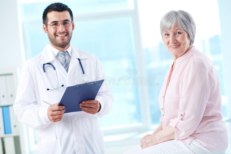 Γιατρός και ασθενής στοκ φωτογραφία
