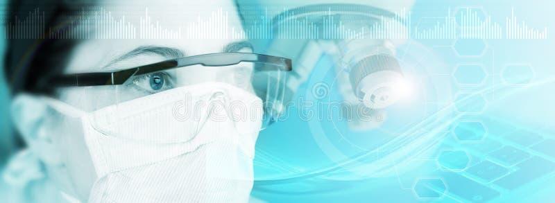 Γιατρός με την προστατευτικά μάσκα και τα γυαλιά στοκ φωτογραφία με δικαίωμα ελεύθερης χρήσης