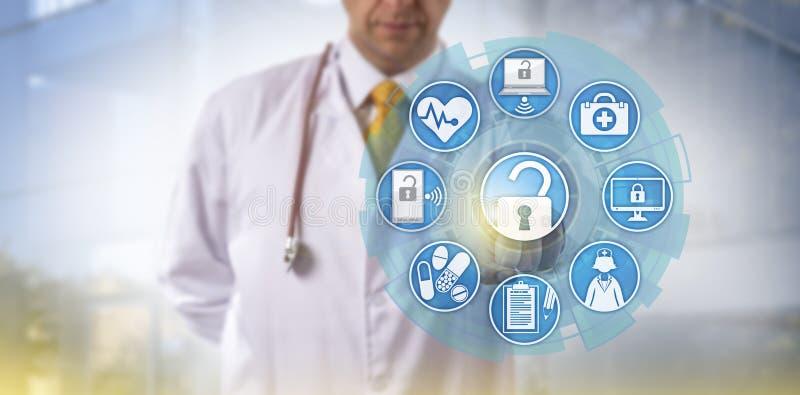 Γιατρός που αρχίζει την ανταλλαγή πληροφοριών υγείας στοκ φωτογραφίες