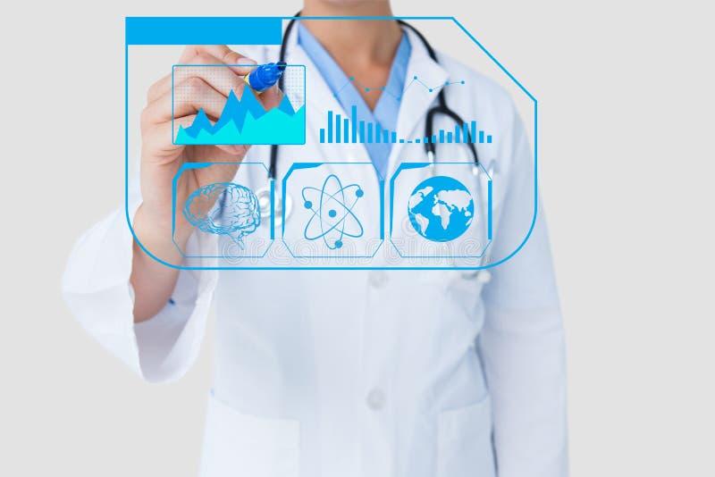 Γιατρός που επισύρει την προσοχή στην οθόνη στοκ εικόνες με δικαίωμα ελεύθερης χρήσης