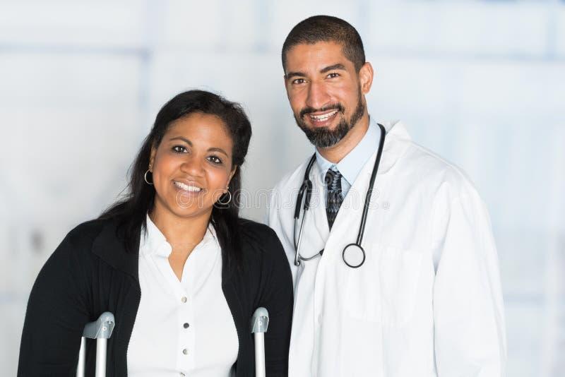 Γιατρός σε ένα νοσοκομείο στοκ φωτογραφία